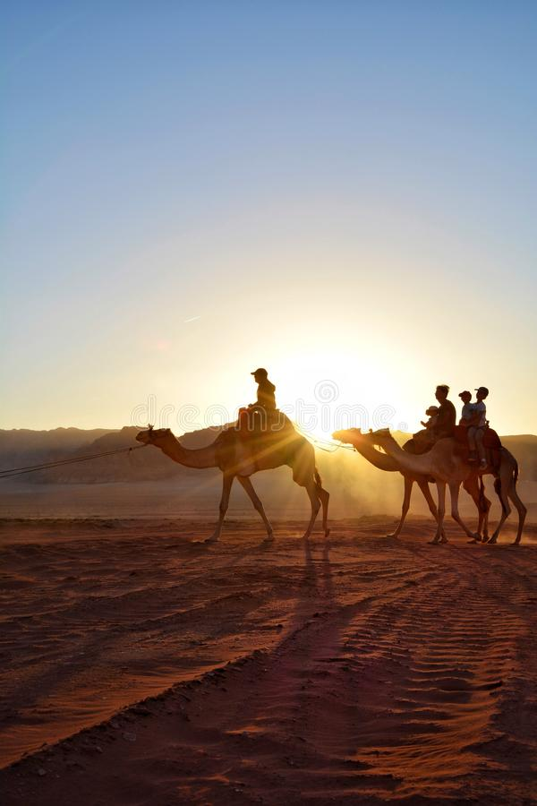 Coucher du soleil jordanien image stock
