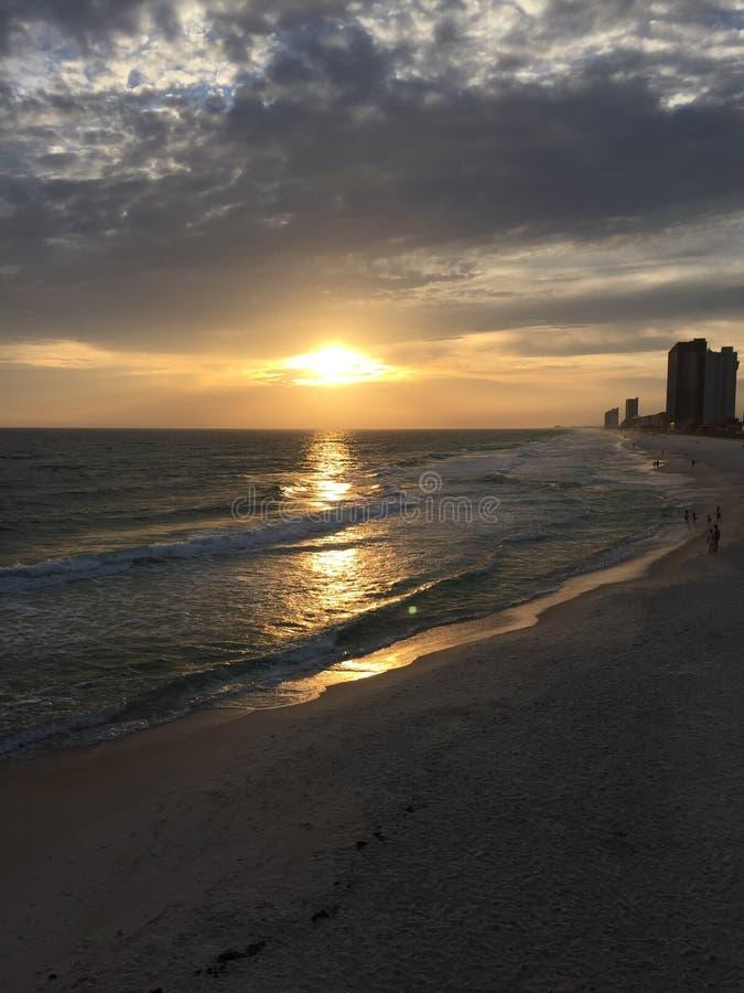 Coucher du soleil @ la côte photographie stock libre de droits