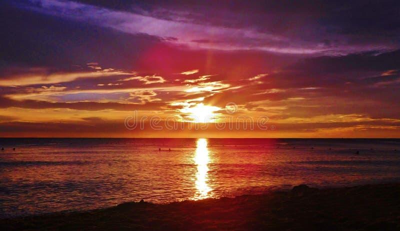 Coucher du soleil ? la plage de la R?publique Dominicaine, bayahibe, station de vacances photographie stock