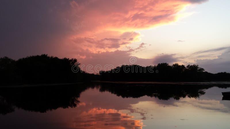 Coucher du soleil le Wisconsin du fleuve Mississippi photographie stock libre de droits