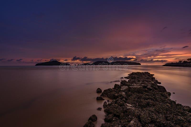 Coucher du soleil manifeste l'océan photos libres de droits