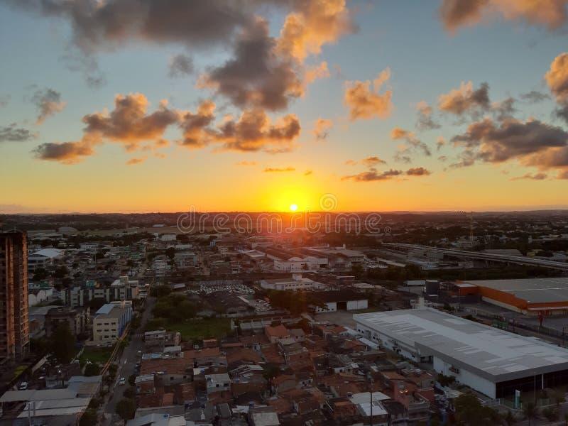 Coucher du soleil merveilleux dans la ville de Recife images libres de droits