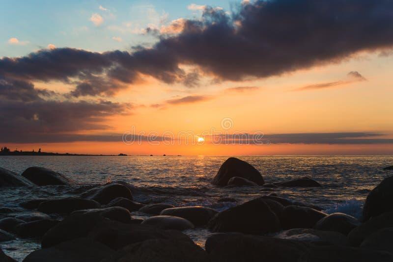Coucher du soleil mystique image stock