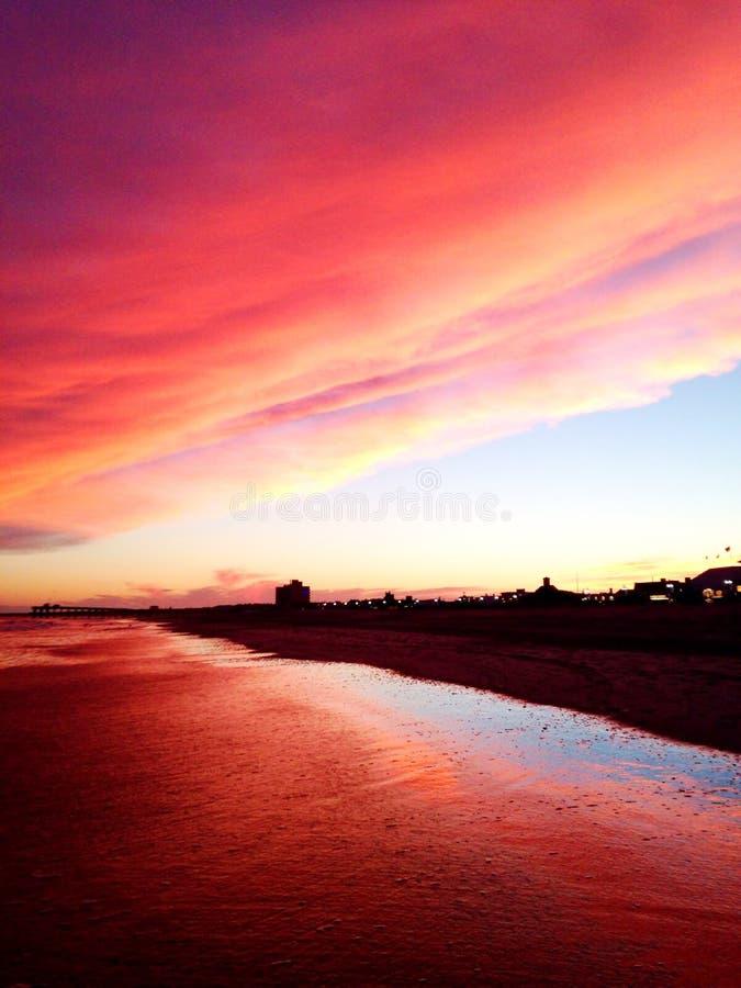 Coucher du soleil NJ de plage de ville d'océan image stock