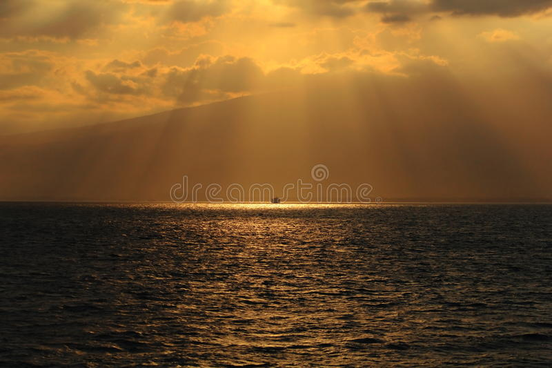 Coucher du soleil nuageux photo stock