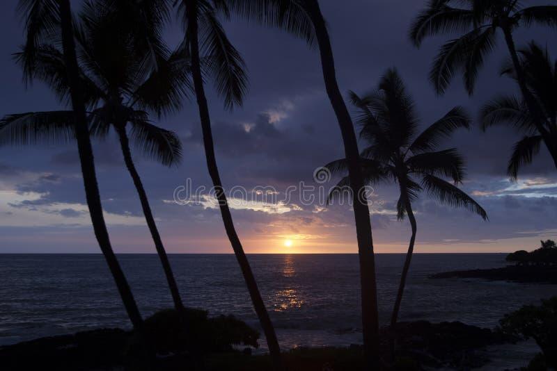Coucher du soleil outre de la grande île d'Hawaï images stock