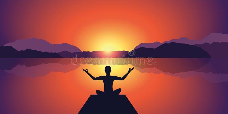 Coucher du soleil paisible de silhouette de méditation au fond de lac et de montagnes illustration libre de droits