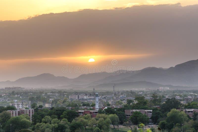 Coucher du soleil Pakistan d'horizon d'Islamabad photos stock