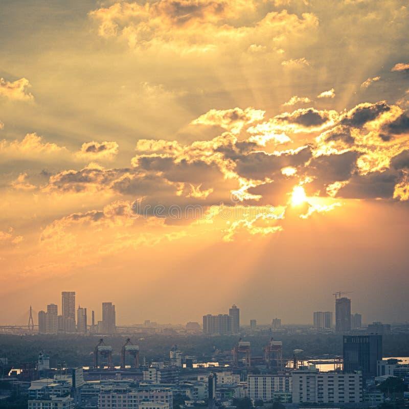 Coucher du soleil pittoresque à Bangkok photographie stock