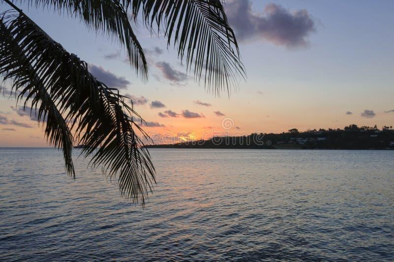 Coucher du soleil - Port Vila image libre de droits