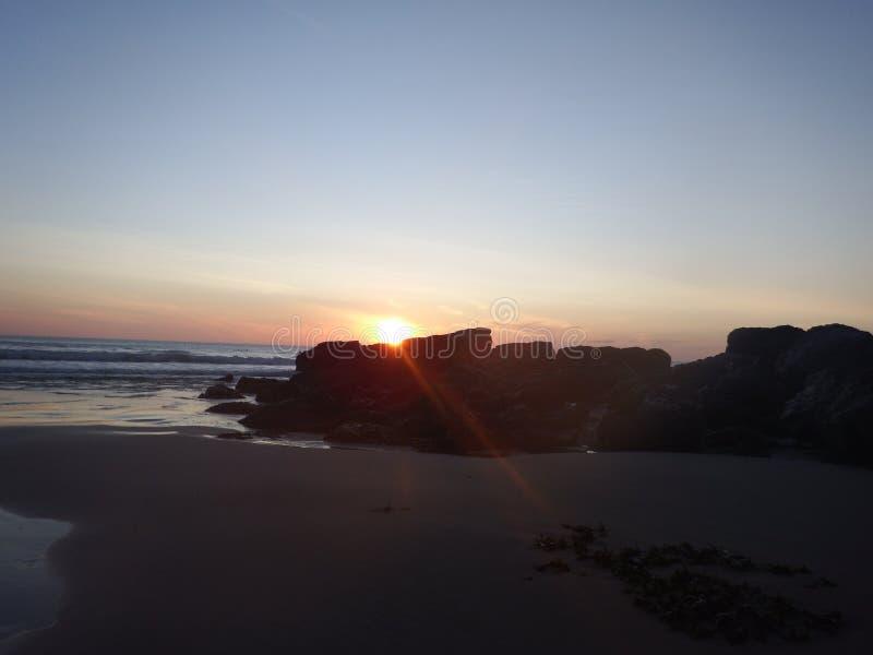 Coucher du soleil Porthtowan les Cornouailles Angleterre images stock