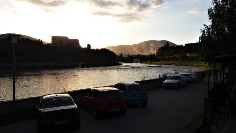 Coucher du soleil près de Zenica, Bosnie-Herzégovine photos stock