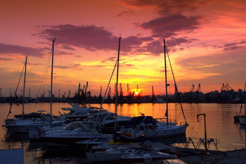 Coucher du soleil renversant de marina images stock