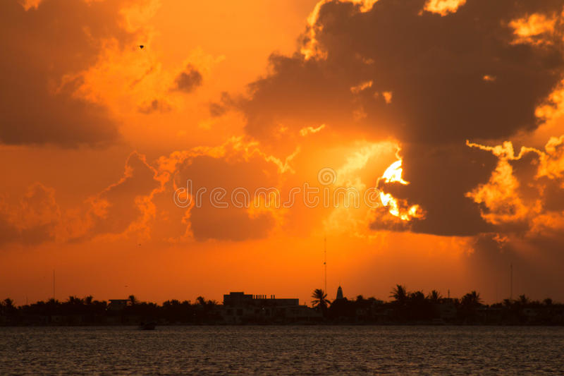 Coucher du soleil Ria Lagartos photo libre de droits