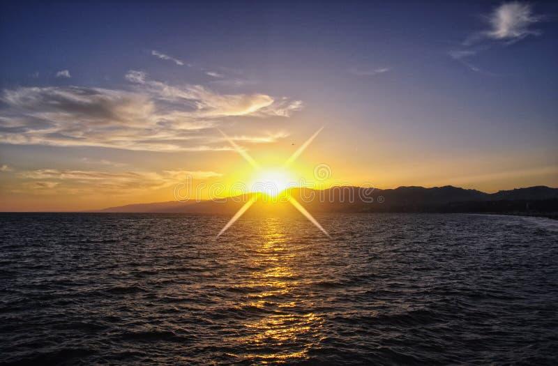 Coucher du soleil Santa Monica Pier la Californie image libre de droits