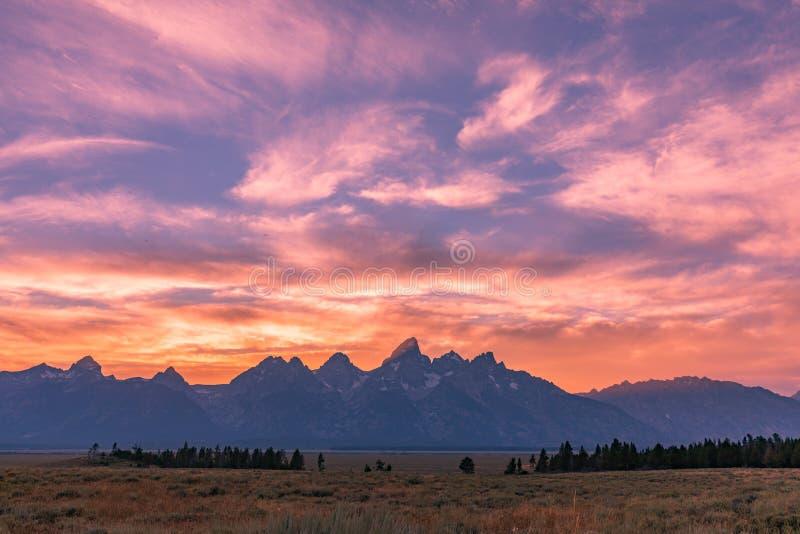 Coucher du soleil scénique de Teton photographie stock