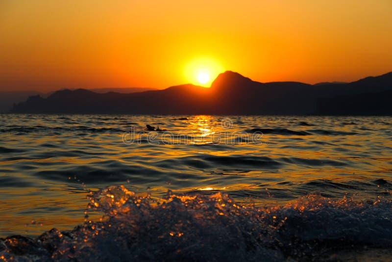 Coucher du soleil, soirée, paysage, crépuscule, paysage, Crimée, la Mer Noire, la mer images libres de droits