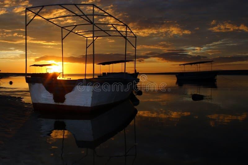Coucher du soleil spectaculaire en tamarindo photos libres de droits