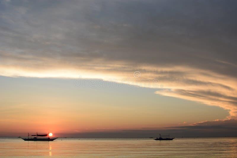 Coucher du soleil sur l'île de Boracay Aklan Visayas de l'Ouest Philippines photographie stock libre de droits