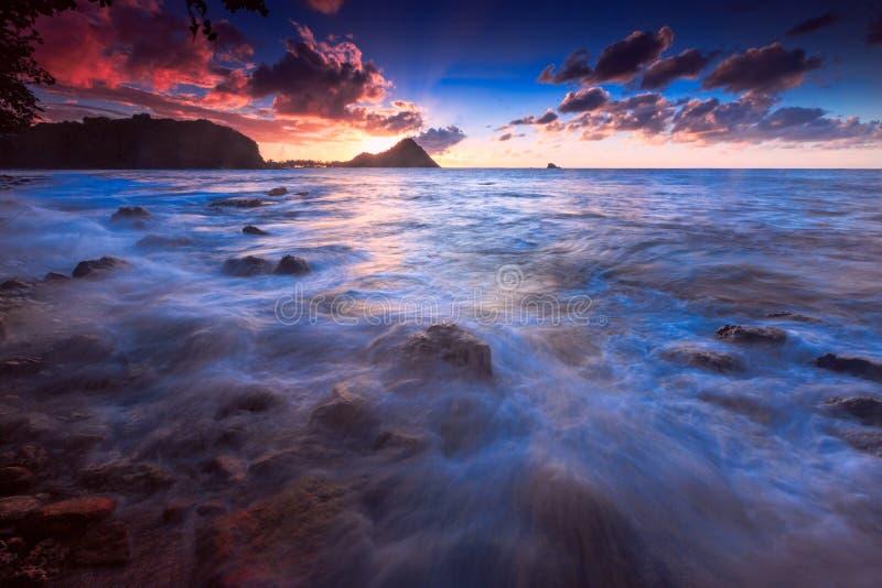Coucher du soleil sur l'île de la Sainte-Lucie photographie stock