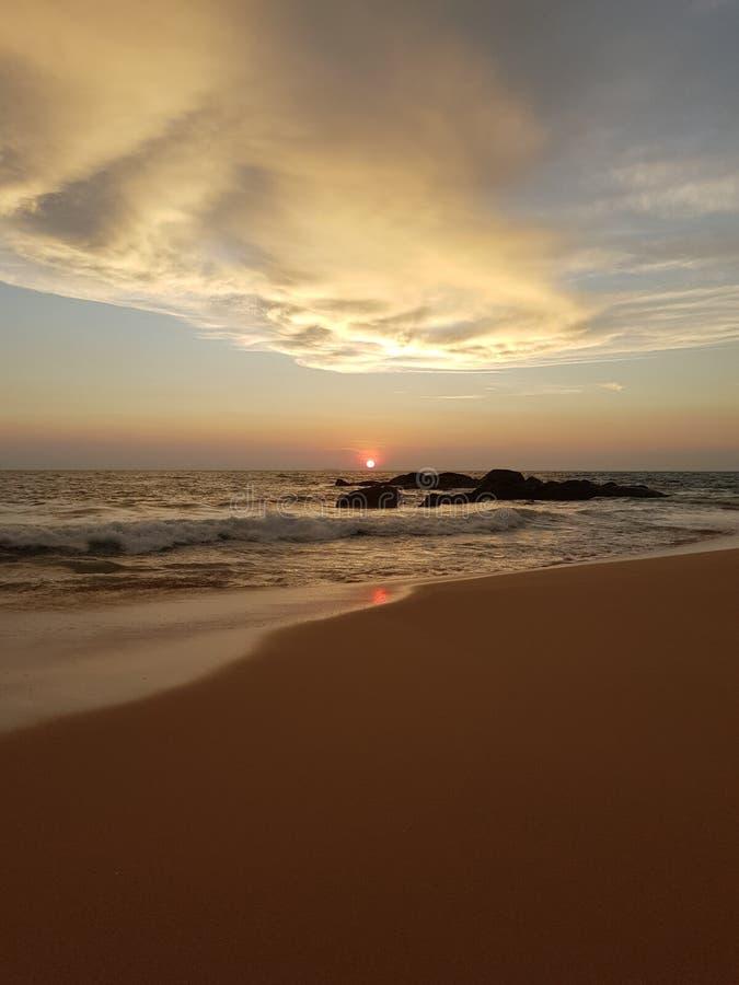 Coucher du soleil sur l'Océan Indien photographie stock libre de droits