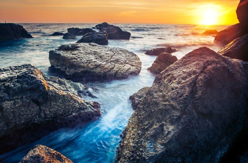 Coucher du soleil sur la côte de Sri Lanka photos stock