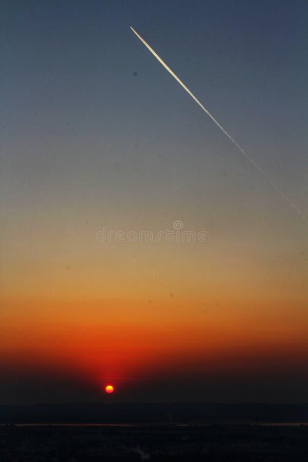 Coucher du soleil sur la colline de Mandalay photographie stock