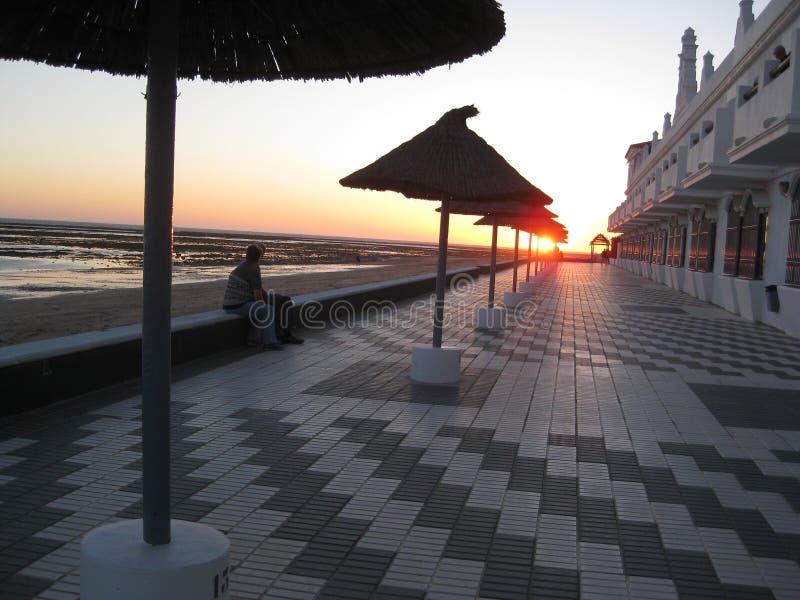 Coucher du soleil sur la promenade photographie stock libre de droits