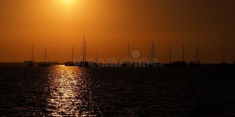 Coucher du soleil sur la rivière Algarve Portugal de Gilao image libre de droits