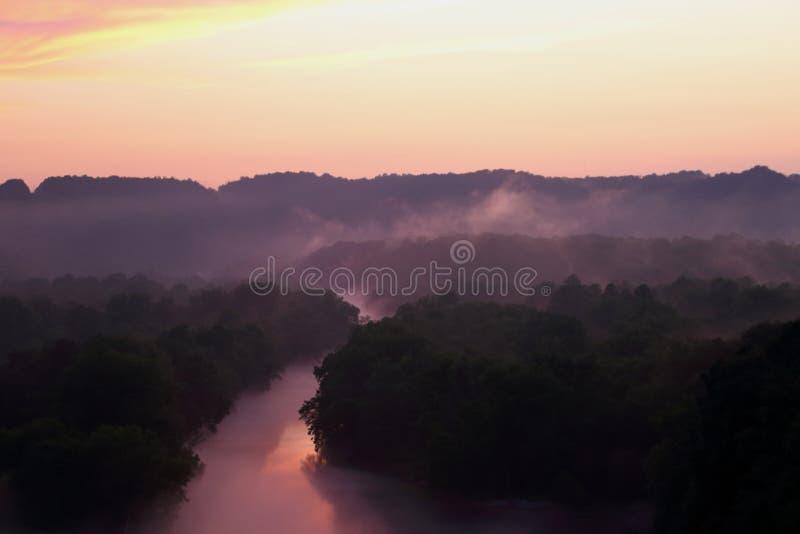 Coucher du soleil sur la rivière de caneyfork images libres de droits
