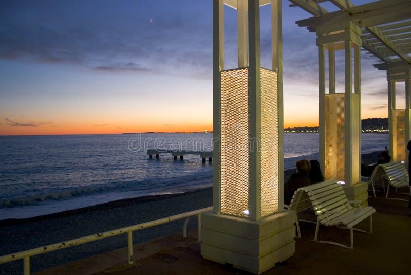 Coucher du soleil sur le DES Anglais de promenade - Nice - la France photographie stock