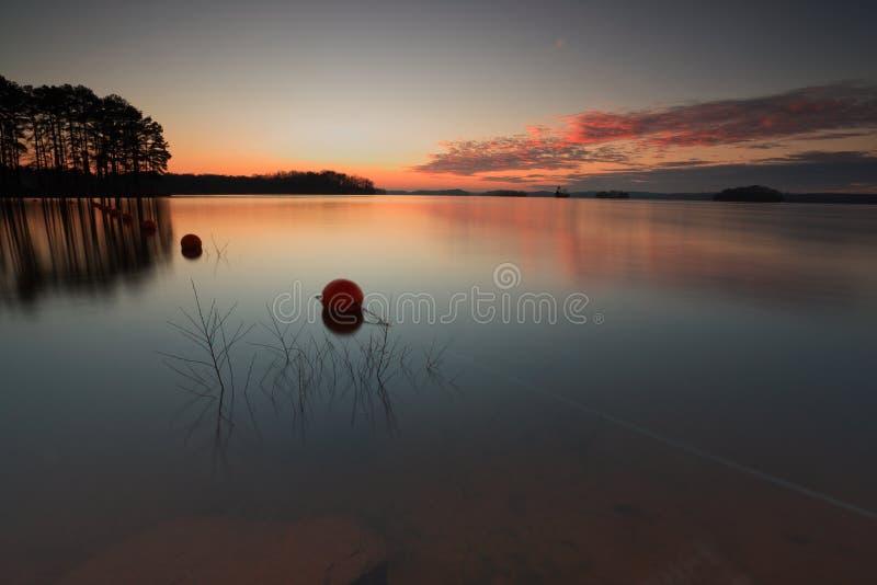 Coucher du soleil sur le lac Lanier images libres de droits