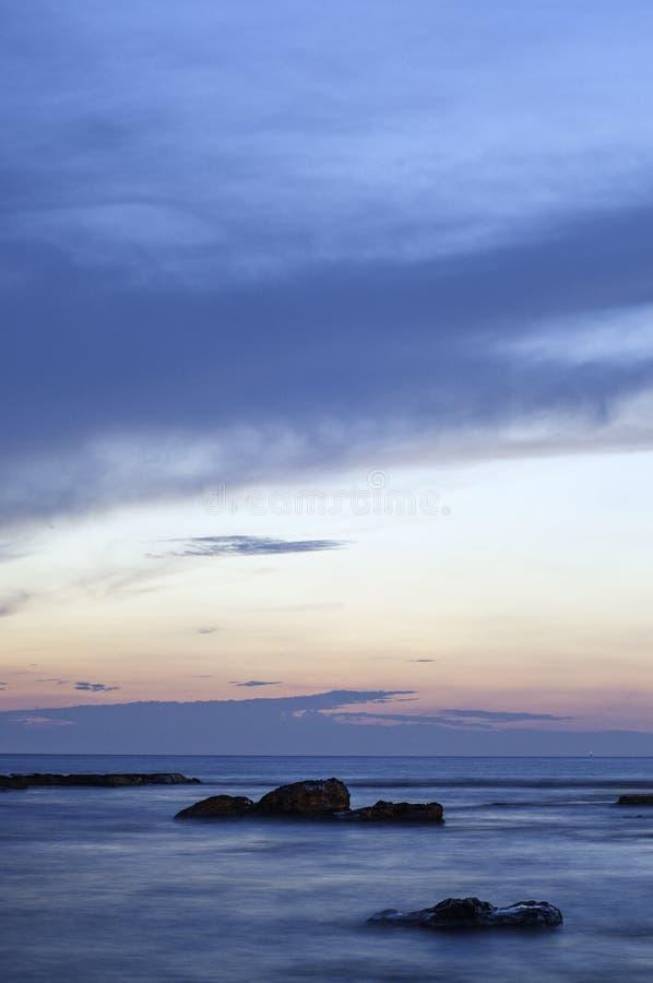Coucher du soleil sur le récif photo libre de droits