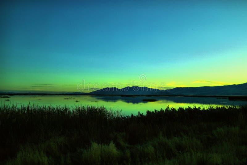 Coucher du soleil sur le refuge sauvage d'oiseau de rivière d'ours près d'Ogden Utah photo libre de droits