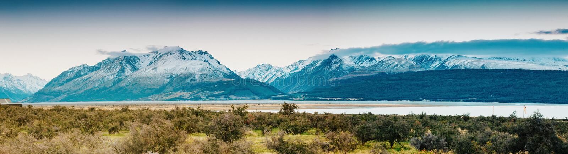 Coucher du soleil sur le sommet du Mt Faites cuire et La Perouse au Nouvelle-Zélande photos libres de droits