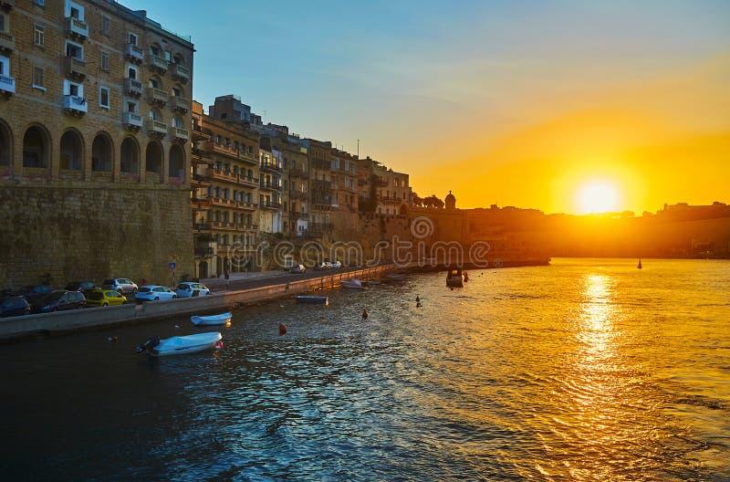 Coucher du soleil sur le yacht, Senglea, Malte images libres de droits