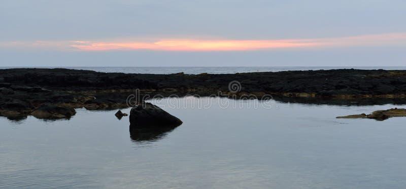 """Coucher du soleil uhonua o Honaunau à unité centrale """"l'endroit de la grande île de refuge d'Hawaï images stock"""