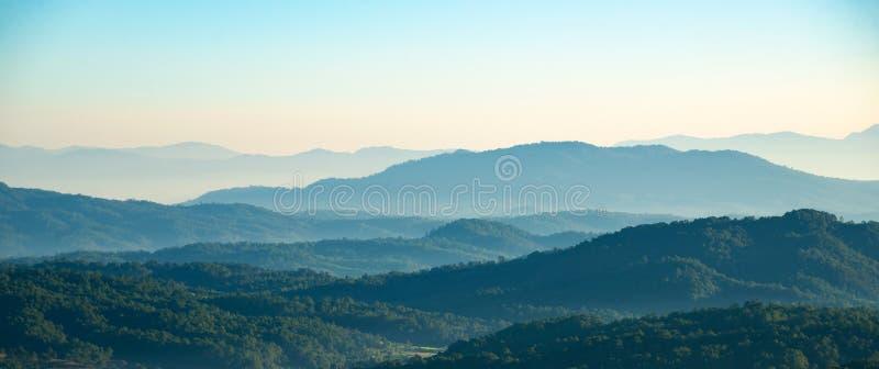 Couches de gamme de montagne image stock
