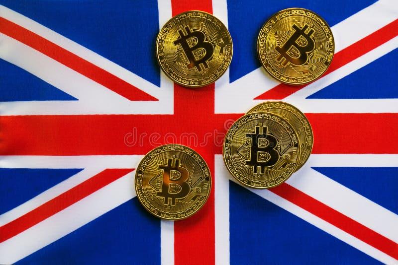 Couleur d'or de Bitcoin sur le drapeau du Royaume-Uni image libre de droits