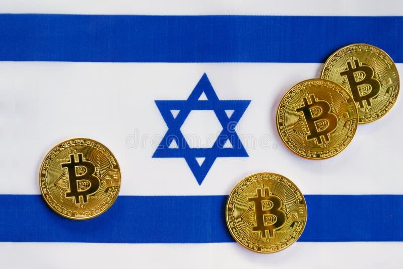 Couleur d'or de Bitcoin sur le drapeau de l'Israël photo libre de droits