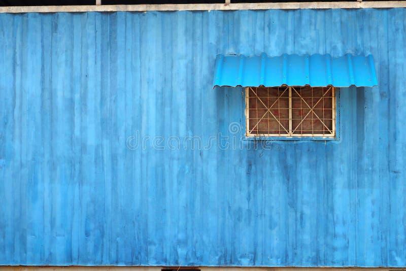 Couleur de bleu de récipient de maison de personnel photographie stock libre de droits