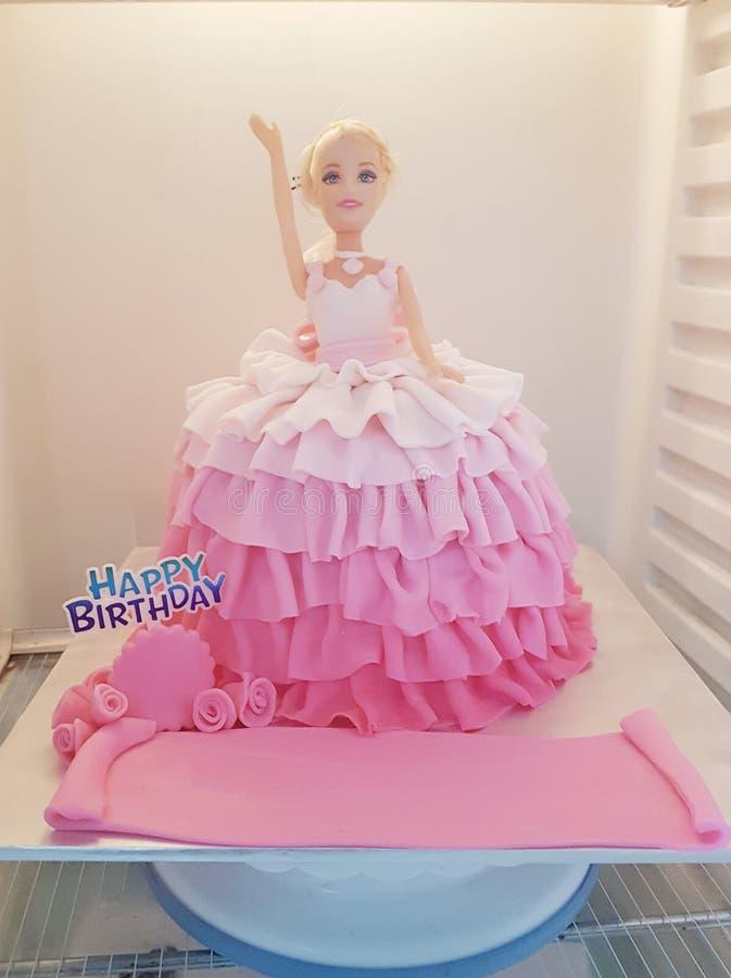 Couleur de rose de gâteau de thème de poupée de Barbie images stock
