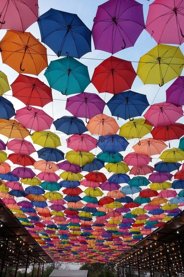 couleur et marché de parapluie photographie stock