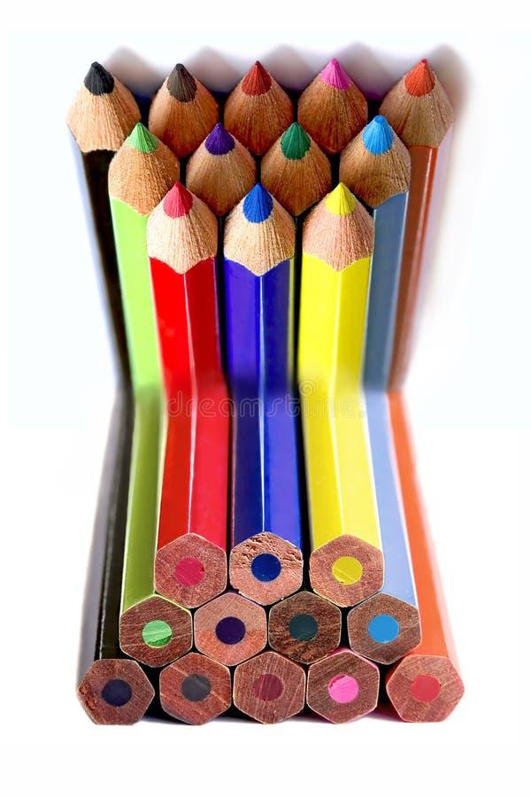 Couleurs dépliées des crayons images libres de droits