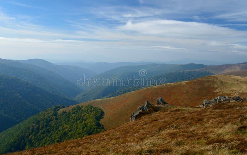 Couleurs d'automne en montagnes photos libres de droits
