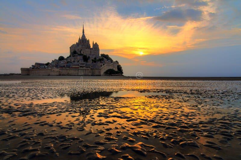 Couleurs dans le sable à le Mont Saint-Michel photo stock