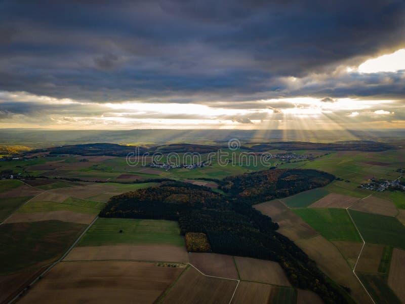 Couleurs de coucher du soleil de l'Allemagne de nature de bourdon images libres de droits
