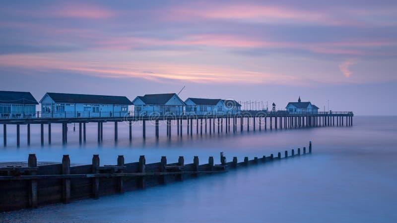 Couleurs en pastel de lever de soleil de début de la matinée dans Southwold, Suffolk, Angleterre photos stock