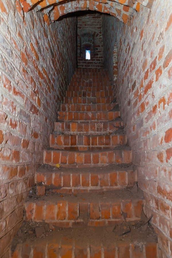 Couloir à la tour d'un château médiéval photo libre de droits