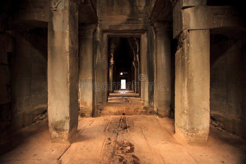 Download Couloir Dans Angkor Wat, Cambodge Photo stock - Image du angkor, roche: 77163428